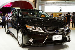 Lexus ES 300h está na exposição Imagem de Stock