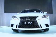 Lexus JEST 250 samochodami na pokazie w samochodowe sprzedaże robi zakupy, Tangshan, Chi Obrazy Royalty Free