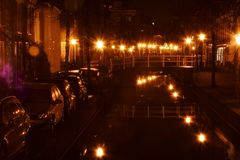 Leyde aux Pays-Bas par nuit photographie stock libre de droits