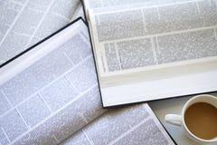 Lezingsboek op lijst Royalty-vrije Stock Afbeeldingen