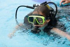 Lezione di immersione subacquea Fotografie Stock Libere da Diritti