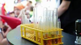 Lezioni di chimica per i bambini stock footage