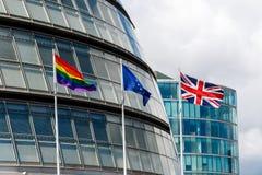LGBT Pride Flag, de EU-Vlag, en Union Jack Stock Foto's