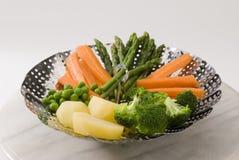 Légumes cuits à la vapeur. Photo libre de droits