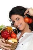 Légumes de fixation de Brunette Photos stock