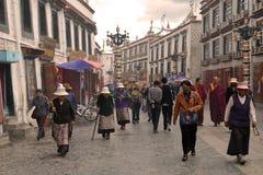 Lhasa acht Straat Stock Afbeeldingen