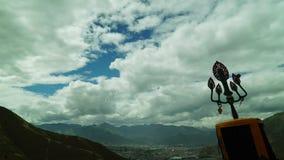 Lhasa i swój otoczenia widzieć od starego monasteru zbiory wideo