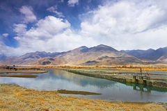 Lhasa River au Thibet, Chine Images libres de droits
