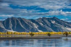 Lhasa River Valley Fotografering för Bildbyråer