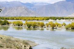 W Października Lhasa rzece Zdjęcia Royalty Free