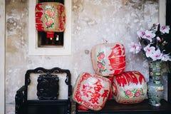 Lhong 1919年,椅子、Lampions和花瓶 免版税库存图片