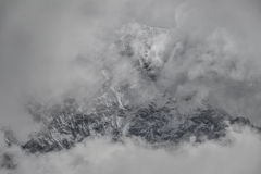 Lhotse (los 8,516m) del valle de Imja Khola Valles de Khumbu nepal Imagenes de archivo