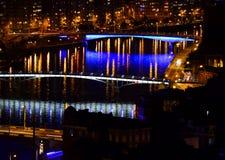 Liège Belgique par nuit images stock