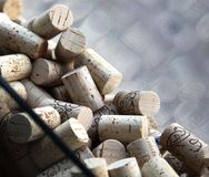 Lièges de vin dans un hublot, Niagara, Canada Photographie stock libre de droits