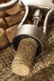 Lièges rustiques de vin de Brown Photographie stock libre de droits
