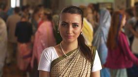 Lièvres Krishna Woman banque de vidéos