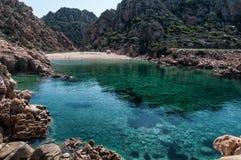 Li Cossi plaży Costa Paradiso Sardinia wyspa Włochy fotografia stock