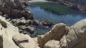 Li Cossi plaży Costa Paradiso Sardinia wyspa Włochy zbiory wideo