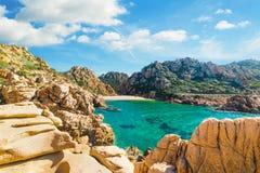 Li Cossi plaża w Costa Paradiso Zdjęcia Stock