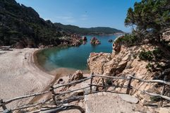 Li Cossi strandCosta Paradiso Sardinia ö Italien royaltyfri fotografi