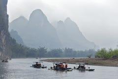 Li rzeka, Guilin, Chiny, 22th, Marzec, 2014, łodzie żegluje w Li rzece Obrazy Royalty Free