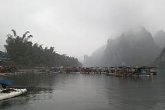 Li rzeka, Guilin, Chiny, 22th, Marzec, 2014, łodzie i nabrzeże Li rzeka, Guilin Fotografia Stock