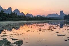 Li rzeki zmierzch Yangshuo, Chiny zdjęcia stock