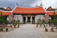 Lian Shan Shuang Lin Monastery. Hall of Celestial Kings (Tian Wang Dian) Lian Shan Shuang Lin Monastery, Singapore Stock Photos