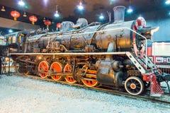 LIAONING KINA - Augusti 02 2015: Kina järnvägar SY-0063 på Tiemei Arkivbild
