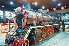 LIAONING KINA - Augusti 02 2015: Kina järnvägar SY-0063 på Tiemei Arkivbilder