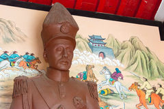 LIAONING KINA - Augusti 01 2015: Zhang Zuolin Statue på marskalken Zh Royaltyfri Bild