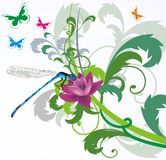 Libélula azul en fondo floral Imagen de archivo