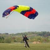 Libérez le parachutiste de chute Images libres de droits