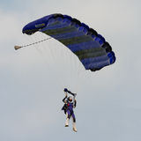 Libérez le parachutiste de chute Photo stock