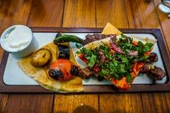 Libańczyk Piec na grillu mięso 04 obraz royalty free