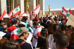Libanes som visar i Paris Royaltyfria Foton