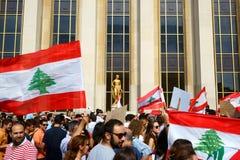 Libanes som visar i Paris Royaltyfria Bilder