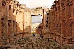 Libanon Februari 14th, 2011 - Baalbek - fördärvar av forntida Phoenicianstad royaltyfri foto