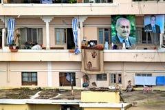 Libanon, Tripoli; 13 februari 2011 - Balkons worden verfraaid die met Royalty-vrije Stock Foto