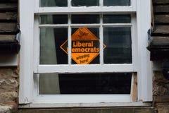 Liberale Democraten die 'hier' winnen stock afbeelding