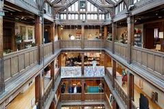 Liberdade, interior luxuoso do armazém em Regent Street, Londres Fotografia de Stock Royalty Free