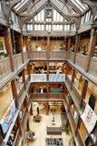 Liberdade, interior luxuoso do armazém em Londres Imagem de Stock Royalty Free