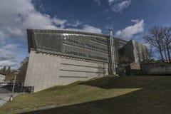 Liberec-Bibliothek am sonnigen Tag des Winters stockbilder