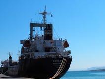 Liberianska tankfartyg som ankras i den Heraklion Kreta Grekland Royaltyfria Foton