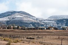 Libero stato orientale Sudafrica di Clarens del paesaggio di Snowy Fotografia Stock