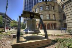 Liberté Bell à la ville hôtel Image stock