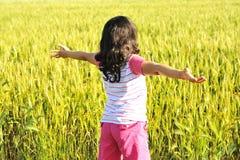 Liberté, fille en nature photos stock