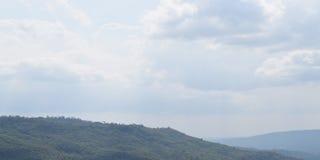 Libertad hermosa limpia de la nube y del cielo en fondo Imagen de archivo
