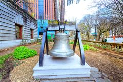 Liberty Bell am Portland-Rathausgarten Stockbild
