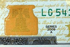 Liberty Bell USA valuta hundra dollarräkning Royaltyfria Bilder